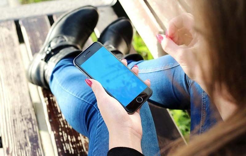 smartphone jeune